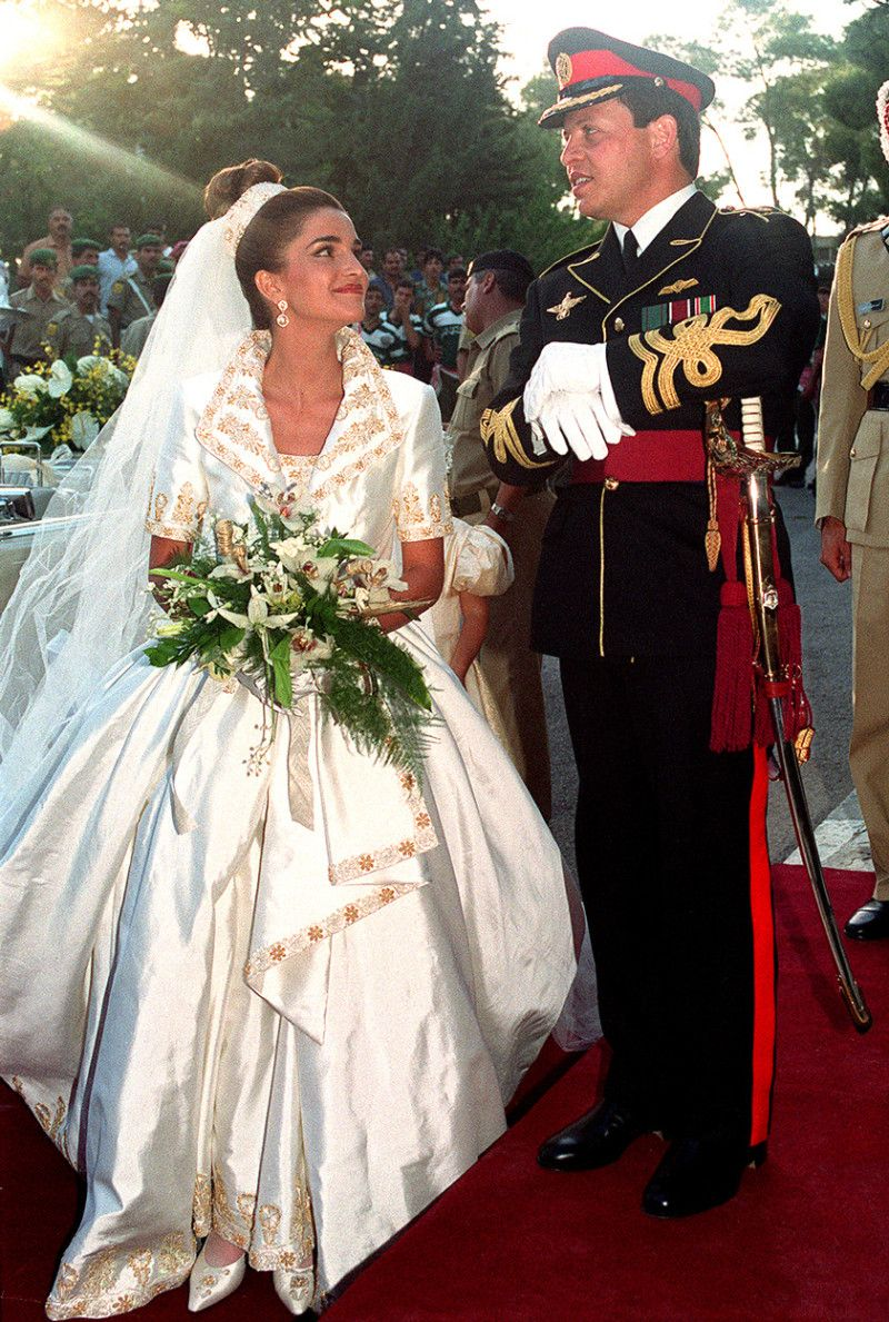 Queen Rania Google Sogning Royal Wedding Gowns Royal Wedding Dress Beautiful Wedding Gowns [ 1600 x 1600 Pixel ]