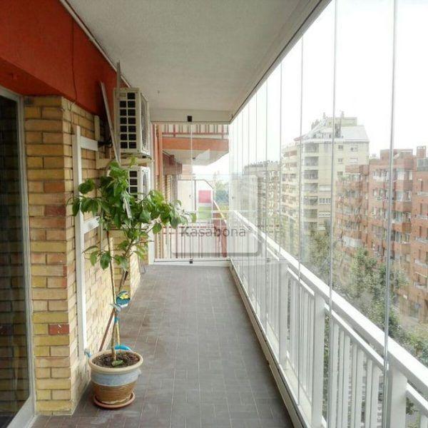 Los Pisos Tienen Como Escenario Exterior Las Terrazas Normalmente Ubicadas En Calles Transitadas Y Centri Ideas Terraza Jardines Modernos Techos Para Terrazas