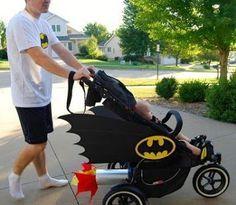 5 Disfraces Para Bebé Con Carriola Mamá Y Maestra Disfraz Bebe Bebé Batman Carriolas