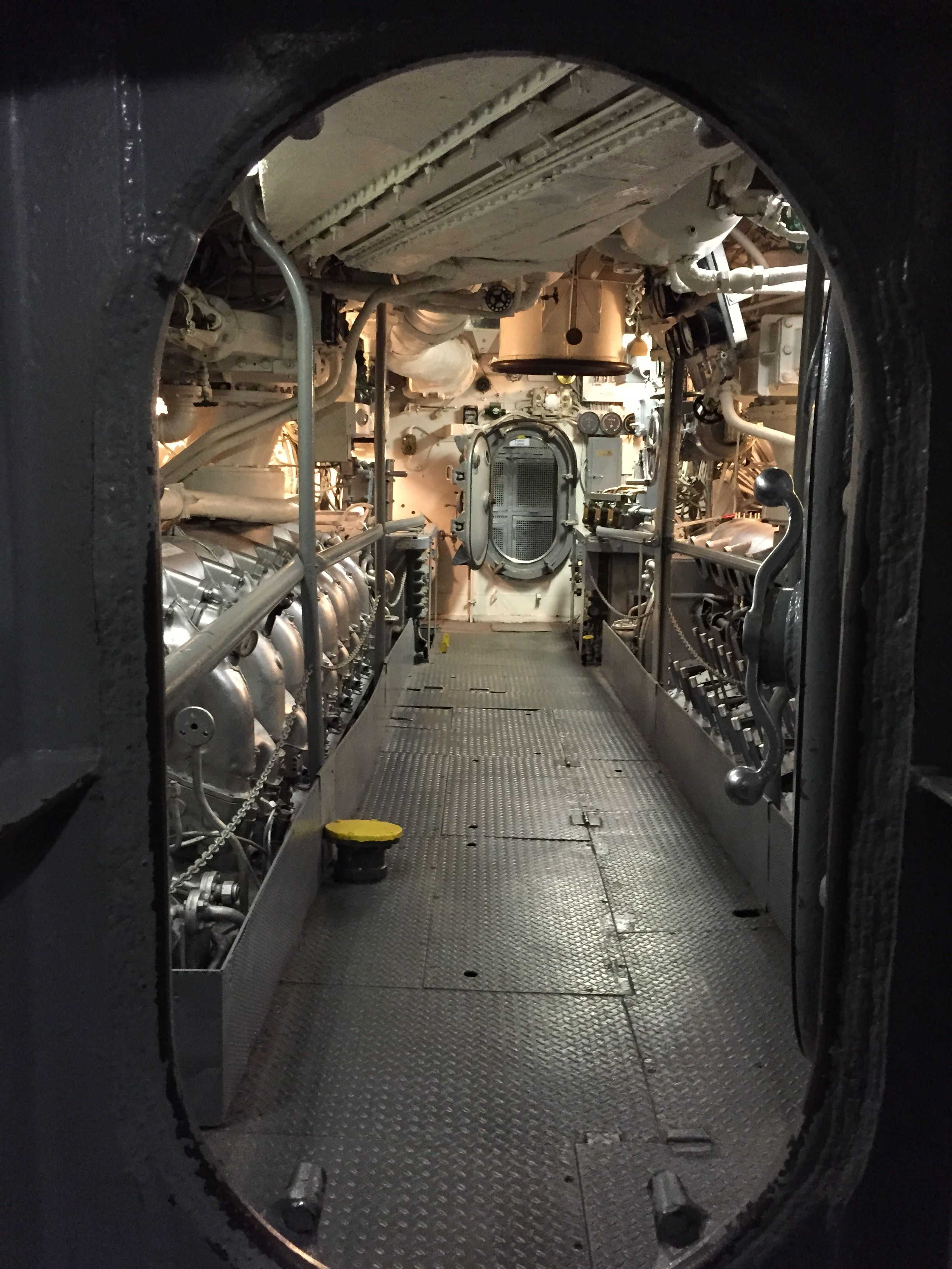 Spaceship Engine Room: Pin On Submarine