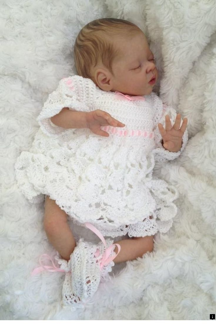 Heritage Native American Porcelain Doll Gwenelda Holding Dreamcatcher
