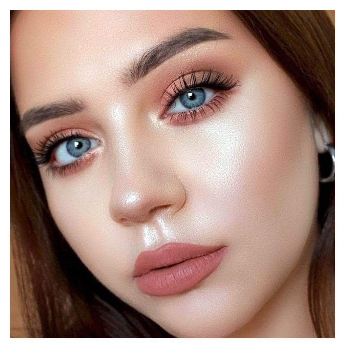 7 Glowy Look Of Prom Night Makeup That Will Make You Shine In Summer 4140 Prom Makeup Prommakeup Prom N In 2020 Blue Eye Makeup Night Makeup Natural Summer Makeup