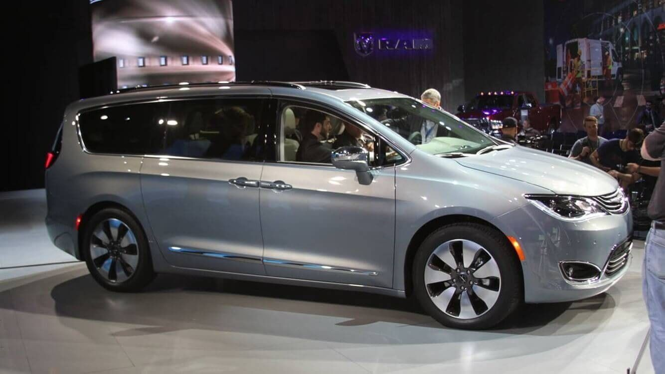 2021 Chrysler Town Country Features Chrysler Town And Country