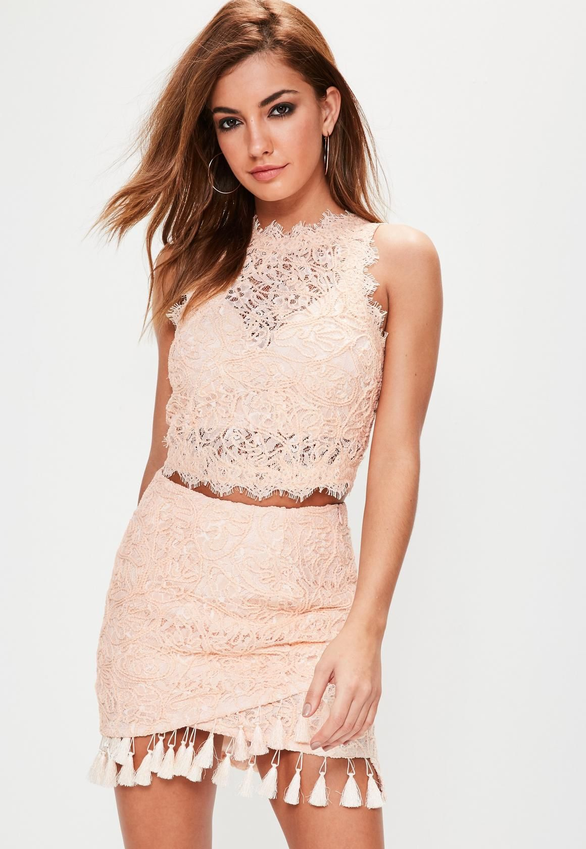 69c1159d8b2b8 Missguided - Nude Cornelli Lace Sleeveless Crop Top