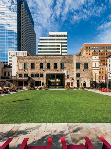 Clean, urban outdoor space. Target Commons by Julie Snow Architects.