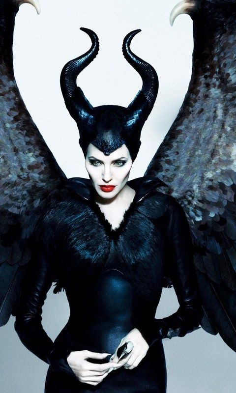 Download Angelina Jolie In Maleficent Movie Hd Hd Wallpaper
