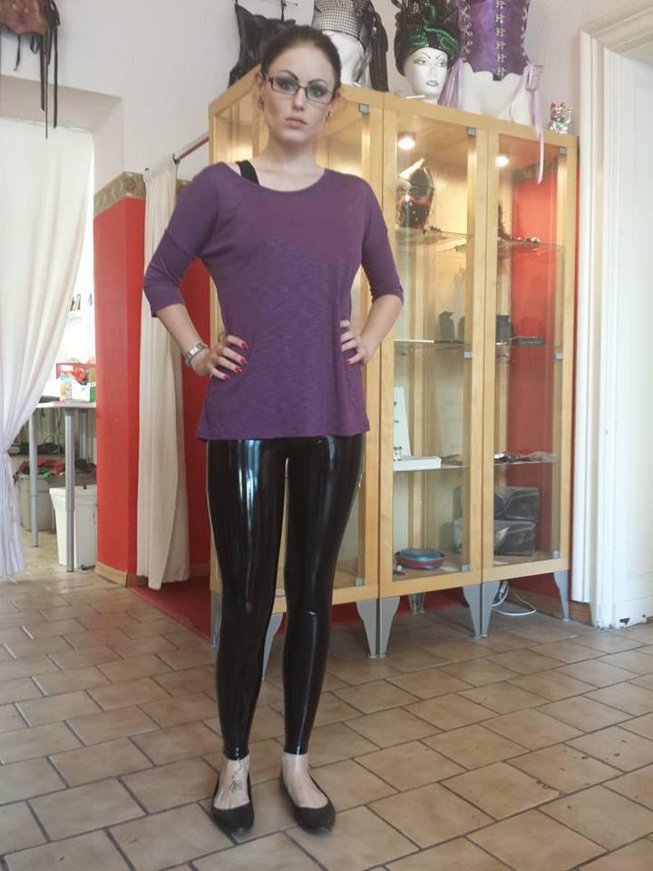 Shiny Leggings And Flats Linda Black Leggings Latex