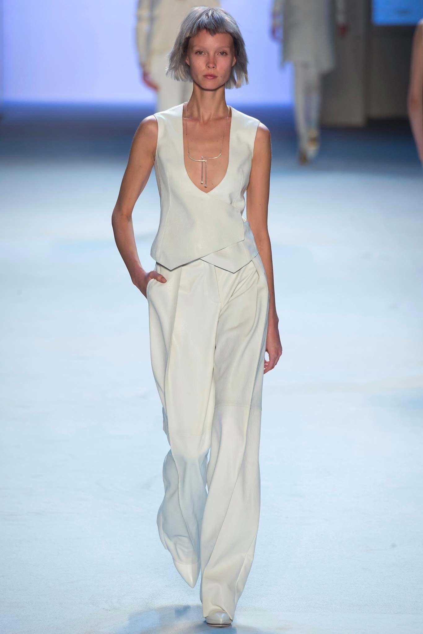 Akris Fall 2015 Ready-to-Wear Collection Photos - Vogue