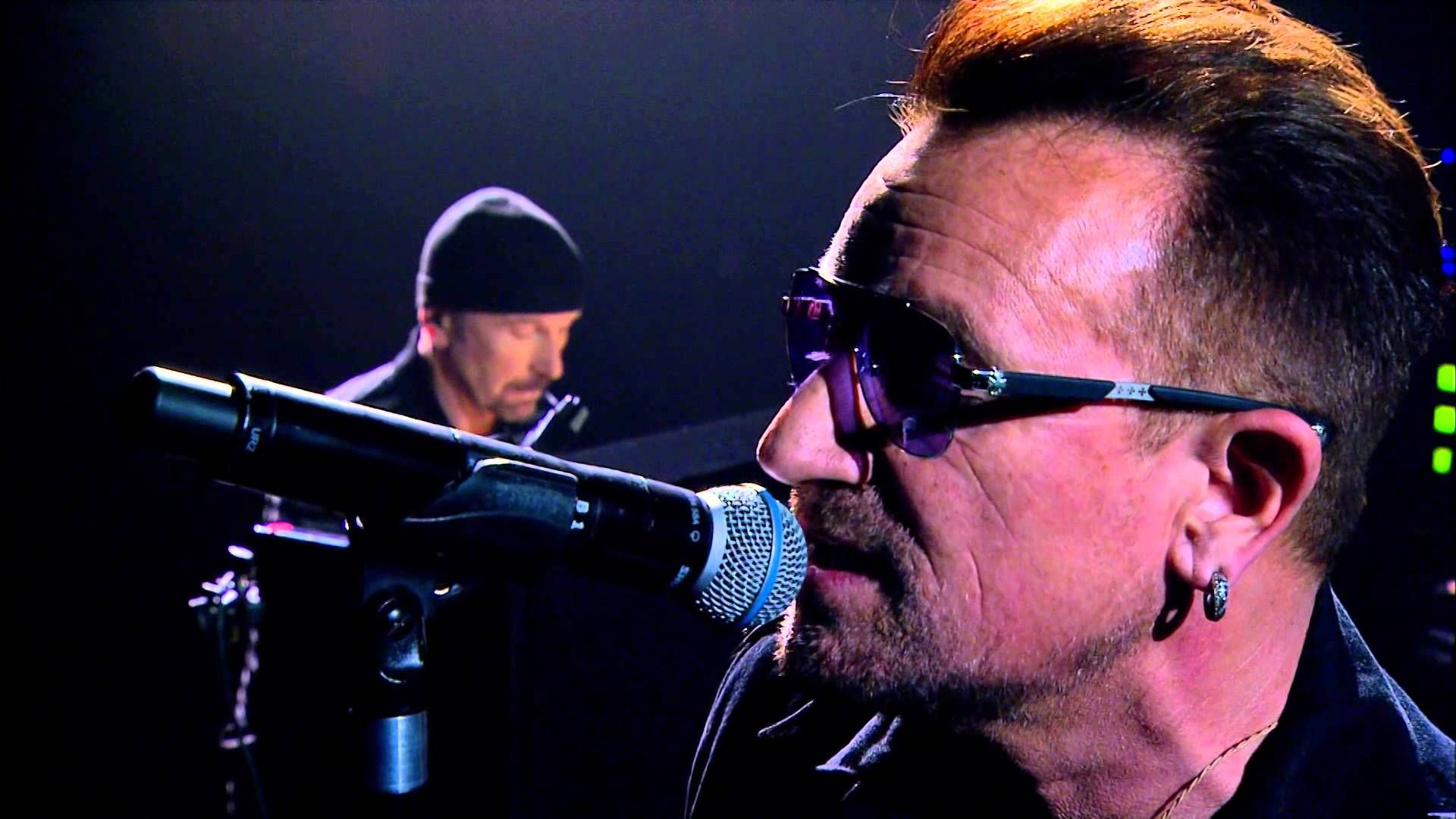 U2 Live - Every Breaking Wave (acoustic) This song has