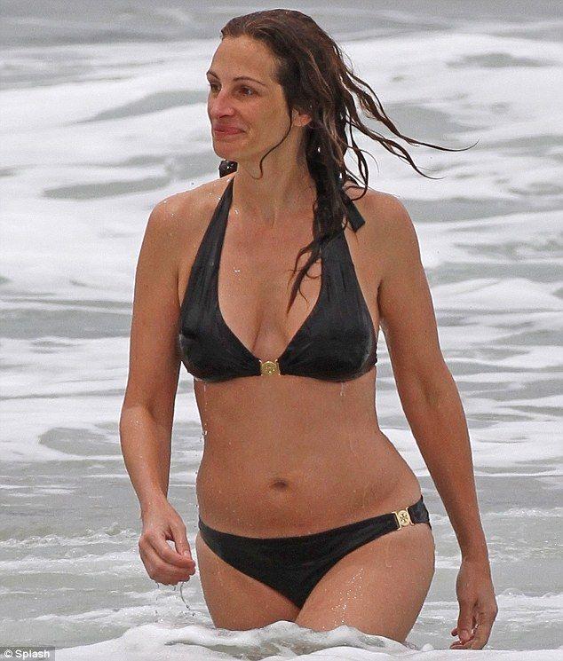 Julia Roberts Hot  Bikinis