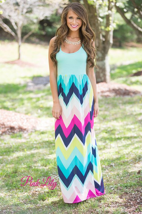 We love maxi dresses. We love chevron. What better way to combine these two trends than in this maxi dress? Super lightweight and simple, it's perfect for all of your summer occasions!