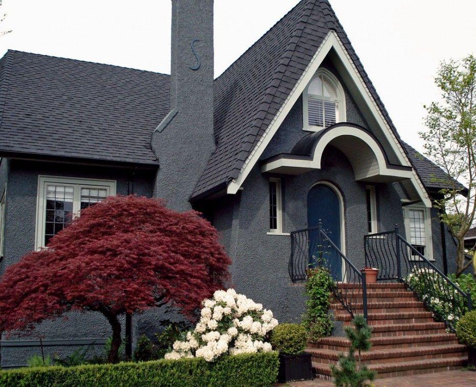 Creative Exterior Paint Color Schemes For Unique House With Gray Exterior Exterior Paint Colors For House House Paint Exterior House Paint Color Combination
