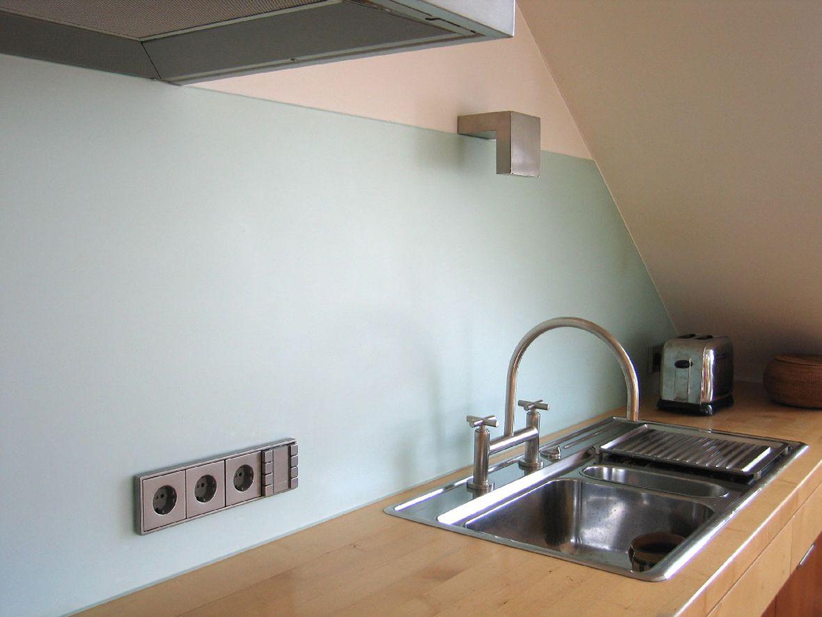 Küchenspiegel Aus Glas maßgefertigte küchenrückwand aus glas mit aussparungen für