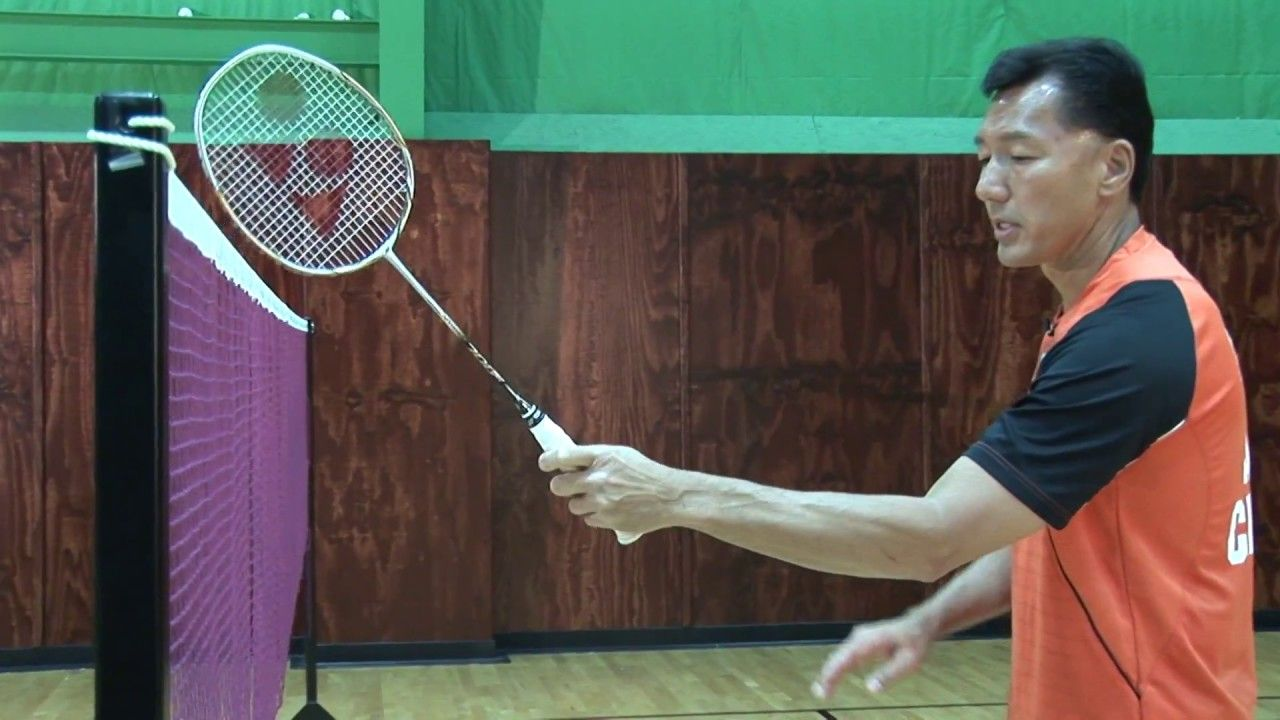 Badminton Tips The Forehand And Backhand Grips Coach Andy Chong Badminton Badminton Tips Badminton Sport