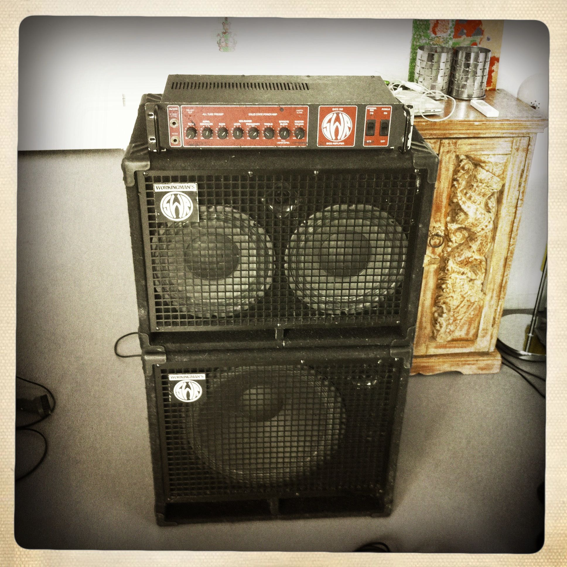 Head Swr Bass 350 Speaker Cabinets Swr Workingman S Series 2 X 10 1 X 15 All Combined Together Also Known As Das Erdbeben Bass Amps Cars Music Guitar Rig