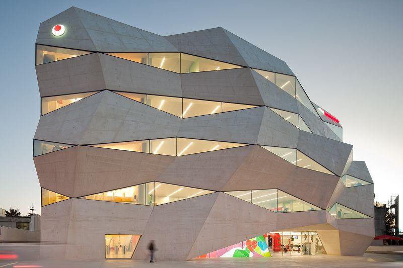 Vodafone Headquarters / Barbosa & Guimarães | Architektur, Fassaden ...