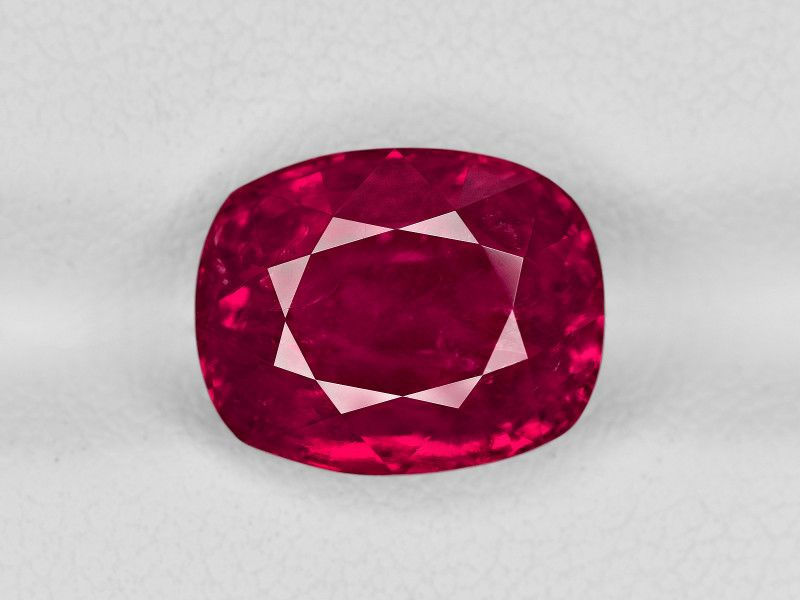 Ruby, 6.55ct - Mined in Burma | Certified by SSEF  #ruby#burmaruby#certified#bestgift#expensive#greatruby#gemslover#rubylover#gemrockauctions
