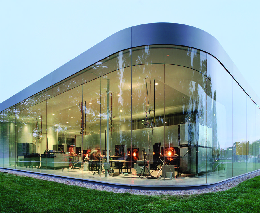 Toledo museum of art glass pavilion by sanaa architects for Architectural glass art