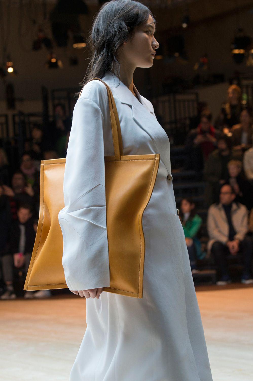 Borse: tutte le tendenze moda dalle sfilate autunno inverno 2017-2018