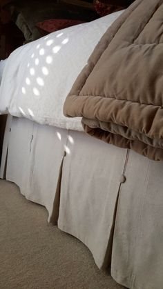 Bedroom . DIY Dropcloth Cotton Bedskirt like Pottery Barn's. Pleats with Buttons :: Welcome to the Nest
