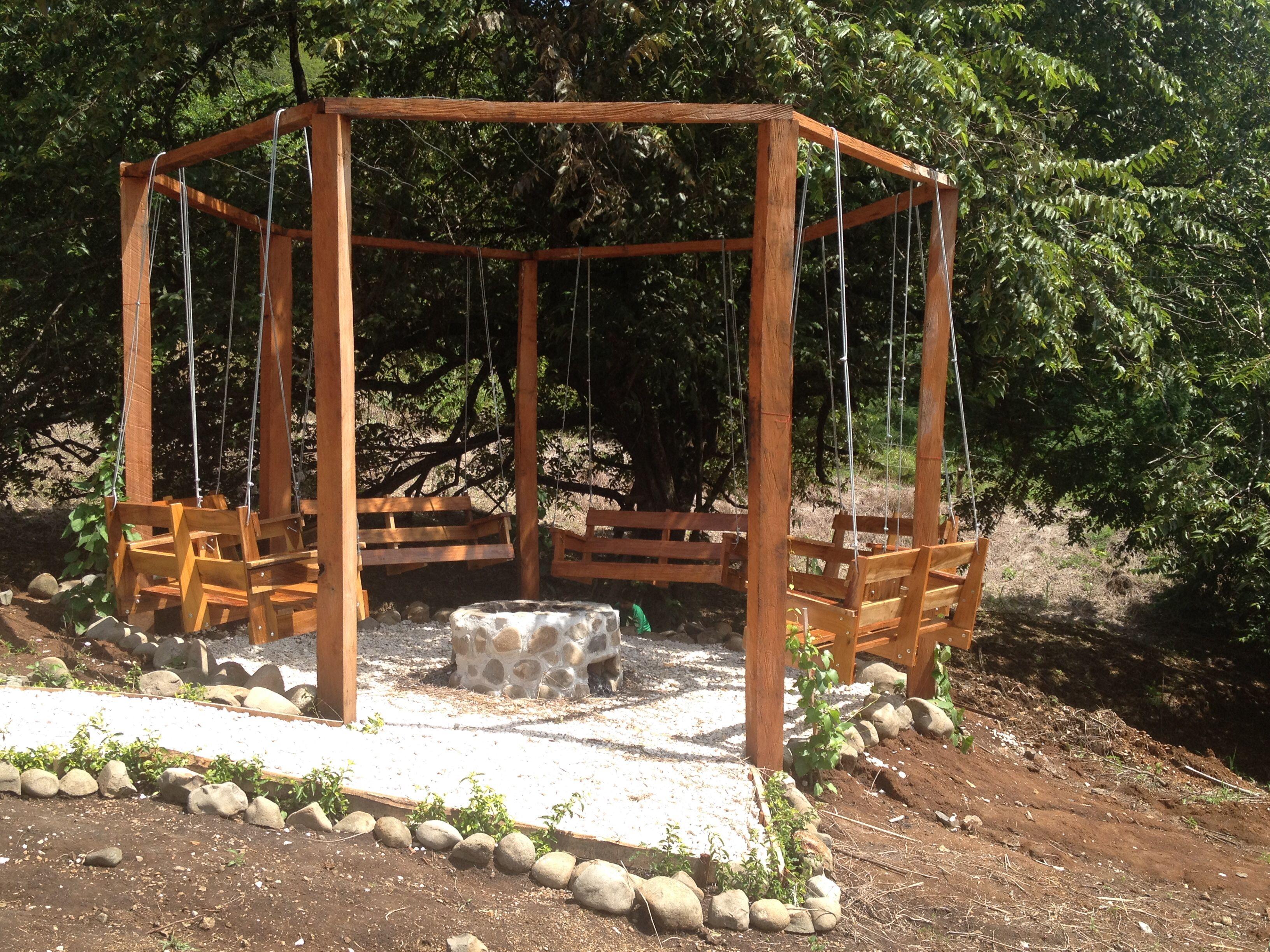 P rgola con hamacas y rea de fogata jardin pinterest - Hamacas para jardin ...