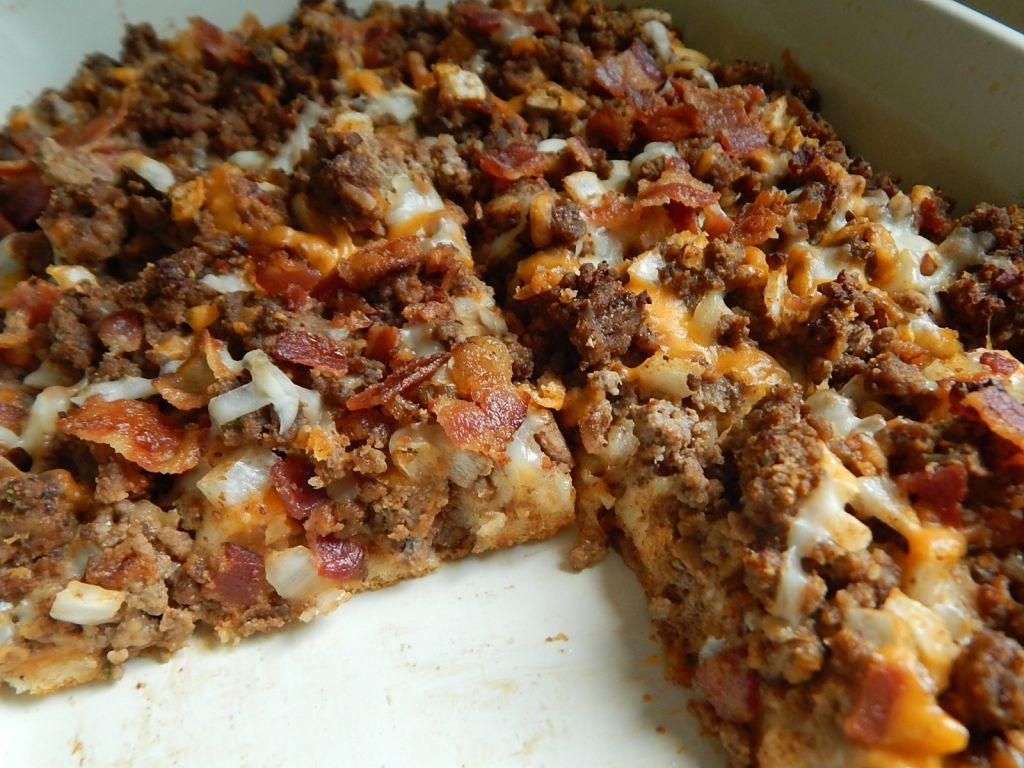 Bacon cheeseburger bubble up casserole - Drizzle Me Skinny! #baconcheeseburgerdip