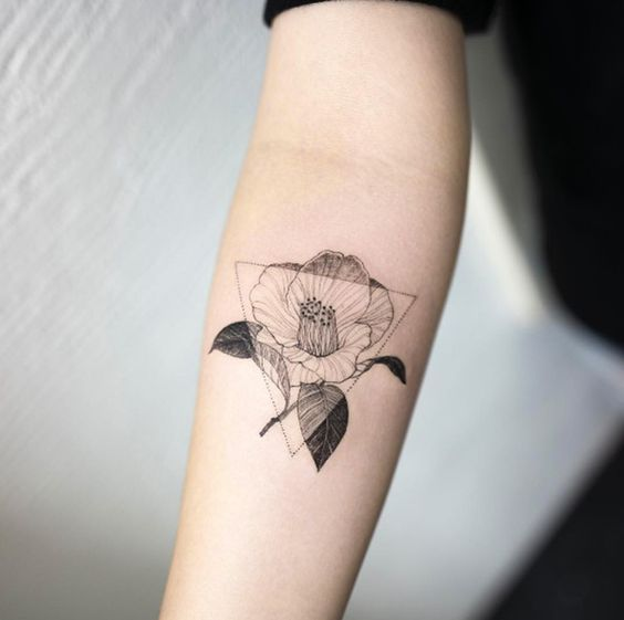 Camellia Flower Tattoo By Hongdam Tattoo Design Idea Inspiration Black And White Geometric Floral Arm Plac Minimalist Tattoo Delicate Tattoo Geometric Tattoo