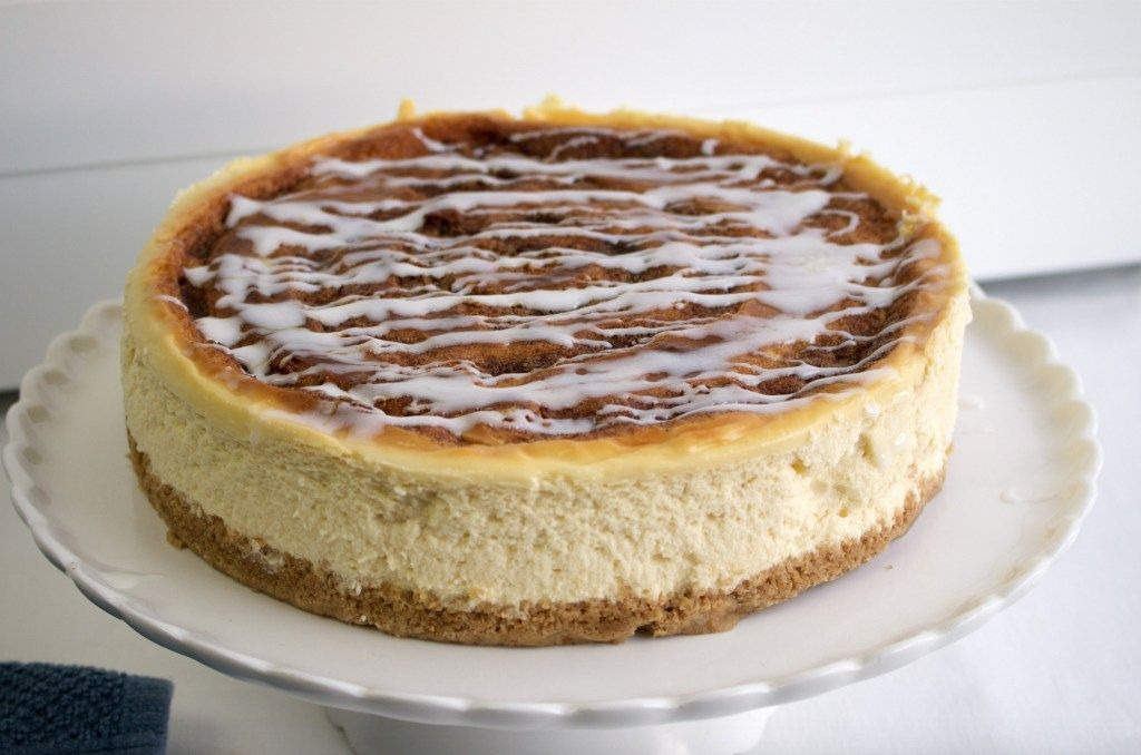Cinnamon Roll Cheesecake #simplecheesecakerecipe