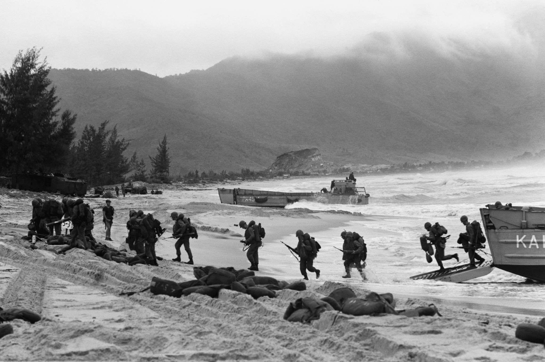 U S Marines Arrive In Da Nang On March 8 1965 Vietnam War