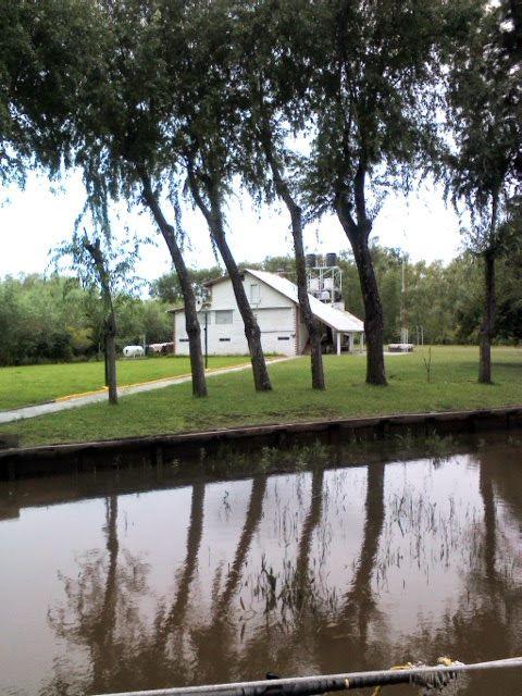 Casa del Delta. Reflejo del agua.