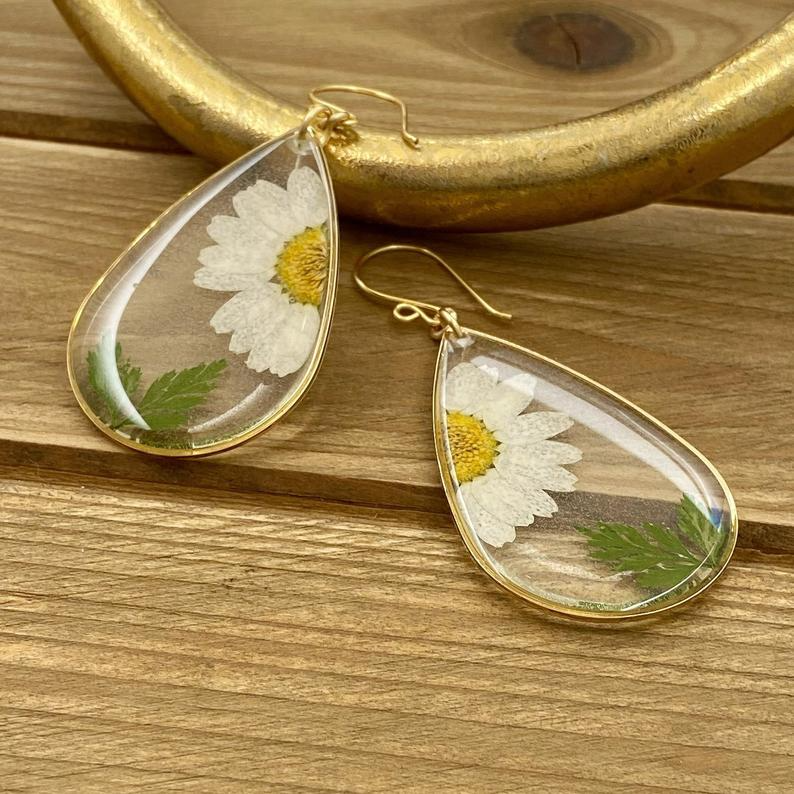 real flower memorial jewelry Real flower earrings resin daisy earrings dangle terrarium earrings valentines gift flower earrings dangle