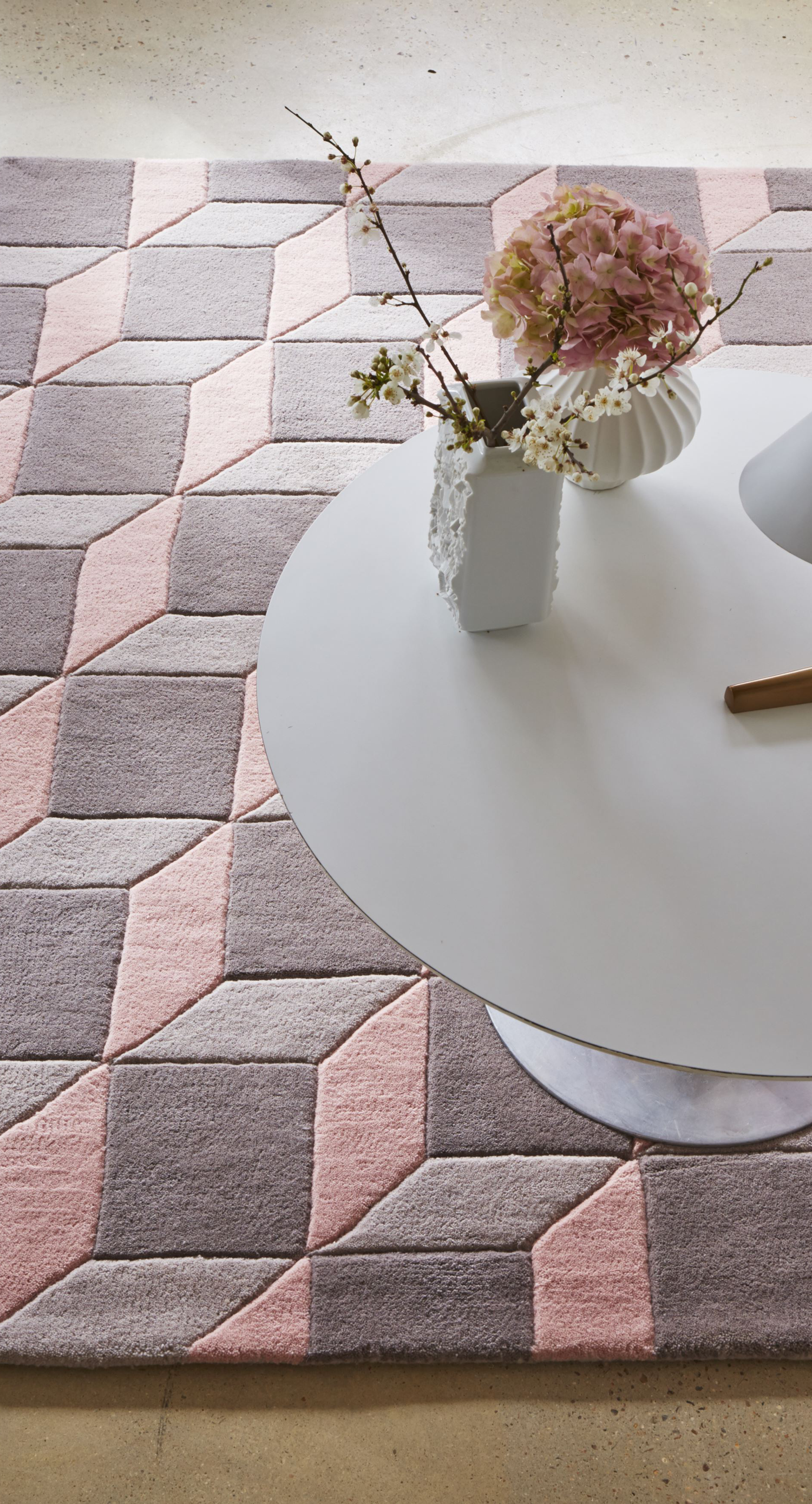 Geometric Hand Tufted Pink Grey Area Rug Grey White Living Room