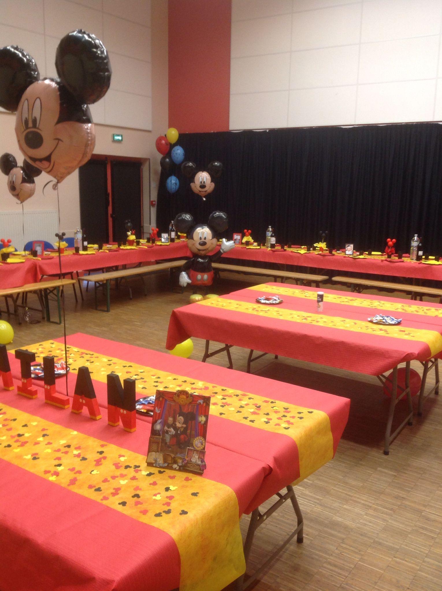 Deco table mickey mouse party d coration bapt me anniversaire pinterest deco et table - Decoration mickey pour bapteme ...