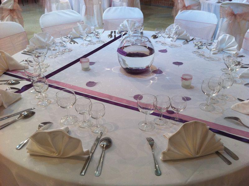 Centre de table violet vieux rose aquarium ruban et for Deco vieux rose