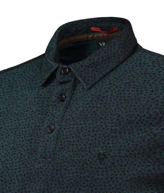 Camisa polo confeccionada em piquet oxford estampado com manga curta e  detalhe bordado no peito esquerdo ec49c5dc4459c