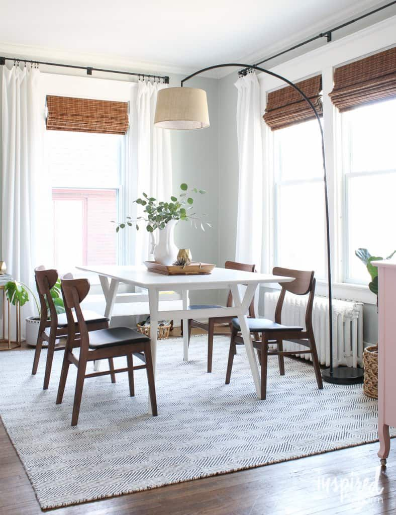 15 Awesome Lighting Ideas For Rooms Without Ceiling Lights Large Arc Floor Lamp Dining Room Floor Lamp Dining Room Curtains Green Dining Room