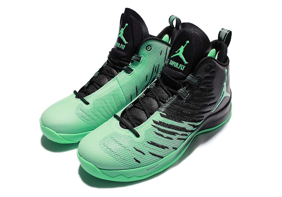 "wholesale dealer 41697 2e921  sneakers  news Blake Griffin s Jordan Super.Fly 5 To Release In ""Green Glow """
