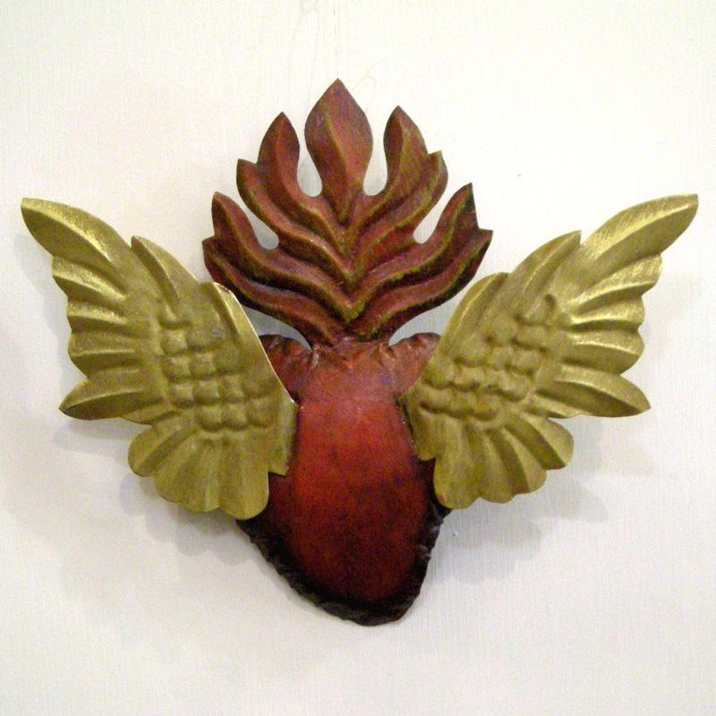 corazon con alas grandes by lacasadifrida.com