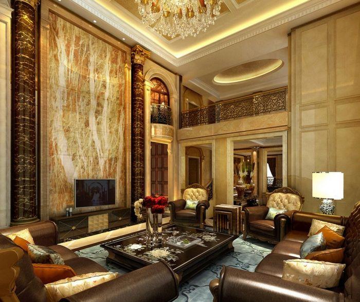 Fesselnd Luxus Wohnzimmer Mit Aristokratischer Gestaltung   Hohe Zimmerdecke Und  Einem Großen Kronleuchter