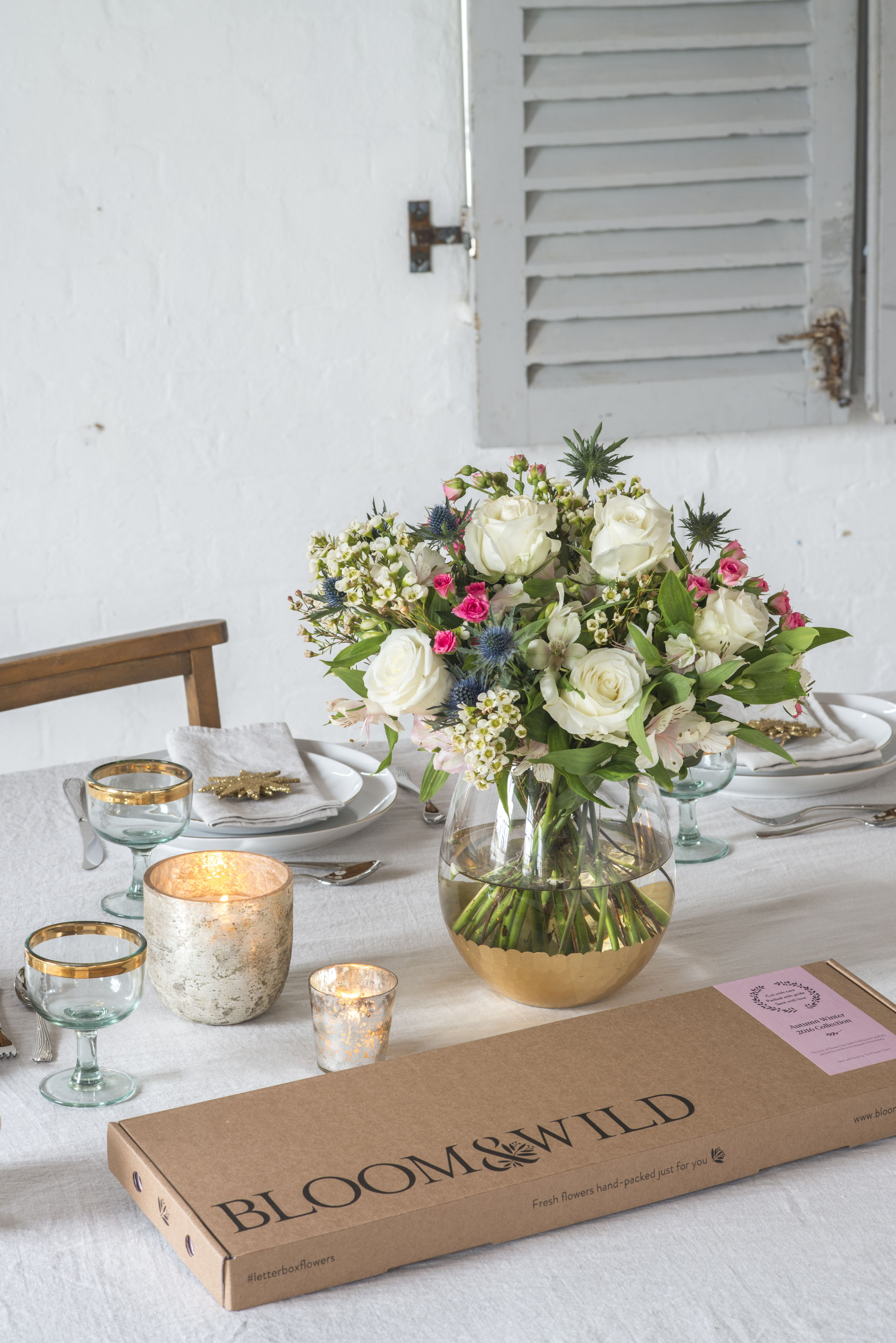 Decorating your dinner table with beautiful fresh flowers at decorating your dinner table with beautiful fresh flowers at christmas can make it feel extra special izmirmasajfo