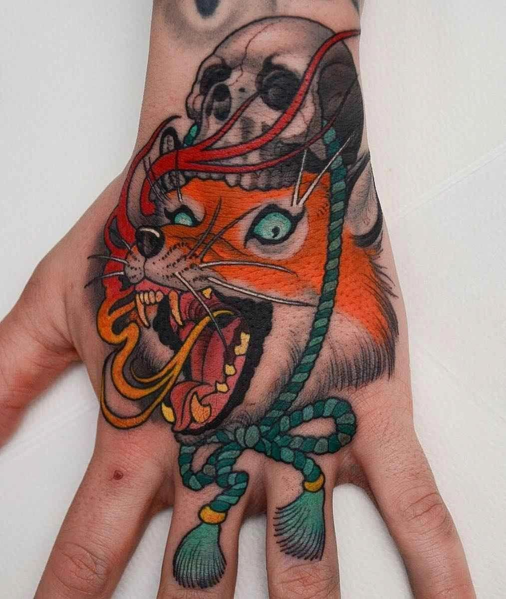 Tattoo artist Peter Lagergren, color aythors style tattoo
