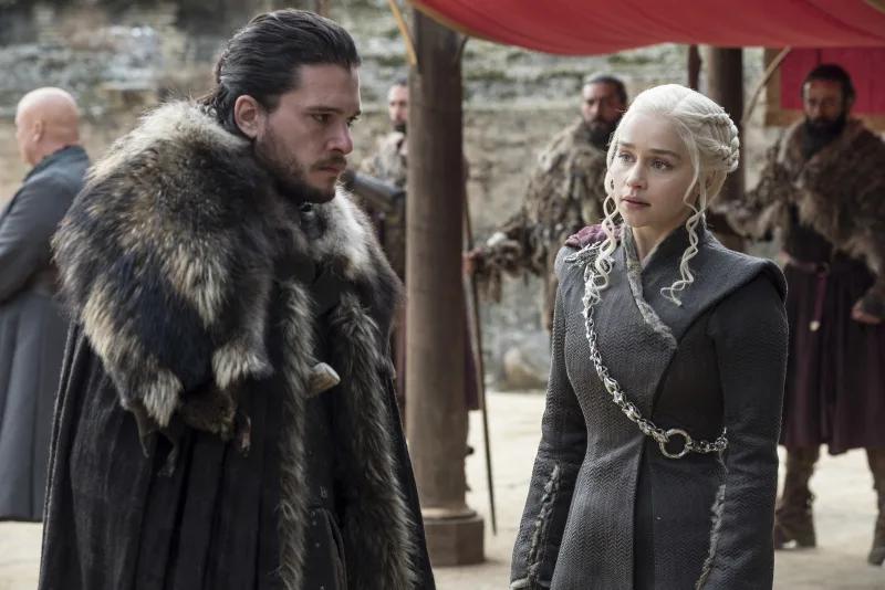 19 Tv Couple Breakups That Literally Destroyed People Jon Snow Y Daenerys Juego De Tronos Game Of Thrones Personajes