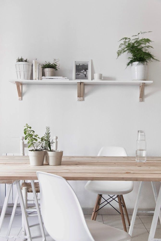 Mezcla de madera y blanco con pequeños detalles