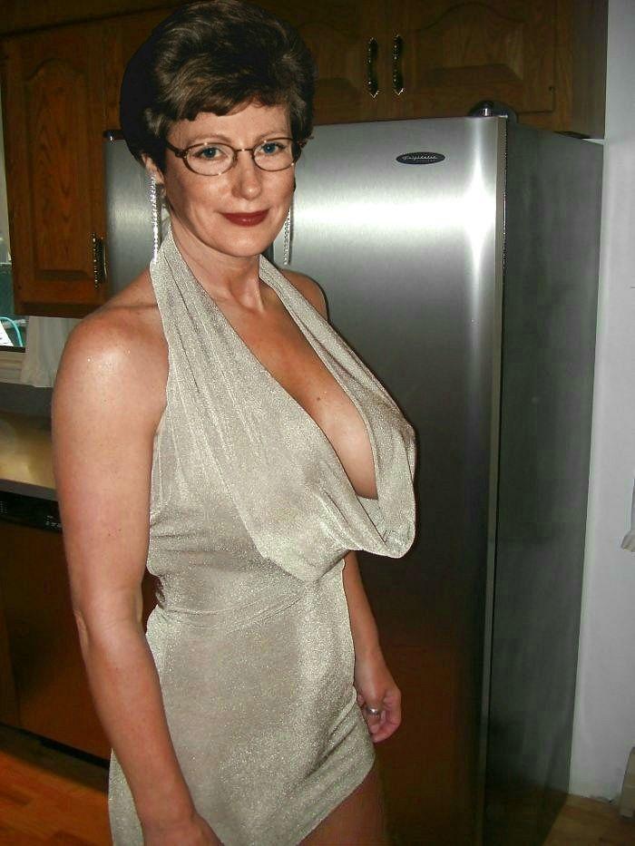 kitchen women Mature older