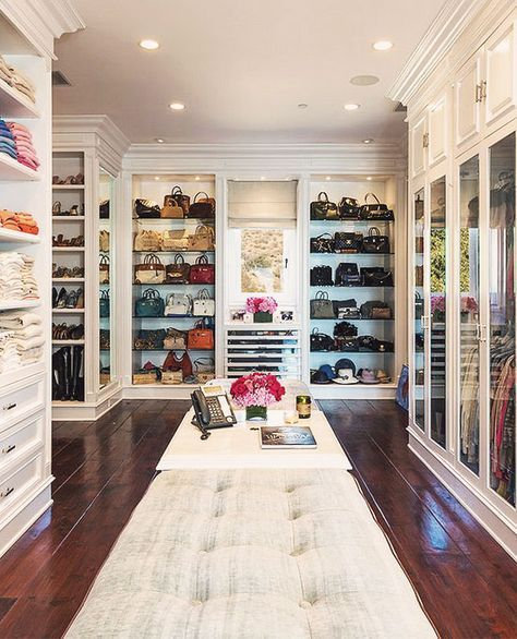 For most women, a dreamy walk-in closet is a must-have feature for any dream…