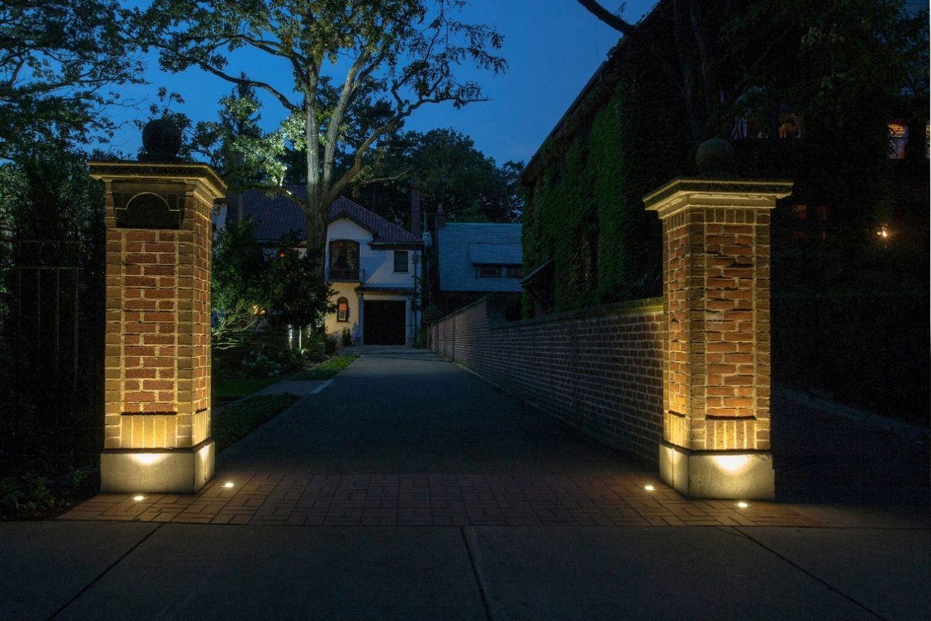 Driveway brick lights google search driveway for Driveway landscape lighting