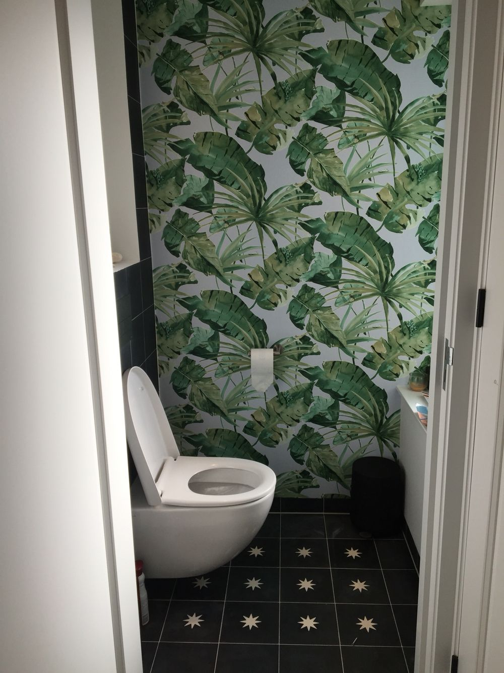 Tegels behang bathroom toilet - Toilet | Pinterest - Tegels ...