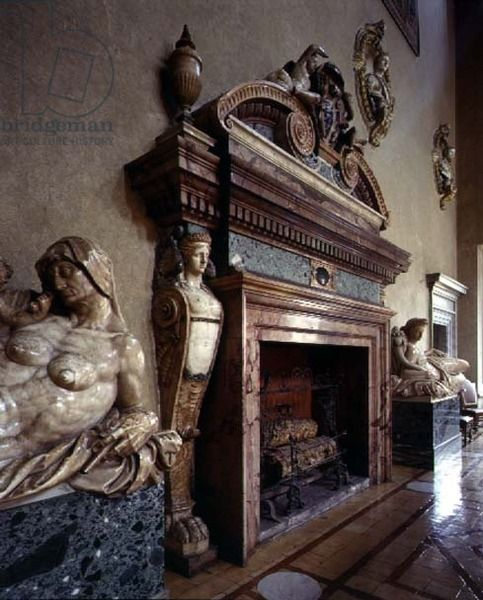 The 'Sala delle Fatiche d'Ercole' (Hall of the Labours of Hercules) detail of the monumental fireplace flanked by sculptures of 'Abundance' and 'Peace' by Giacomo Della Porta (1532-1602) 1517-89 (photo)