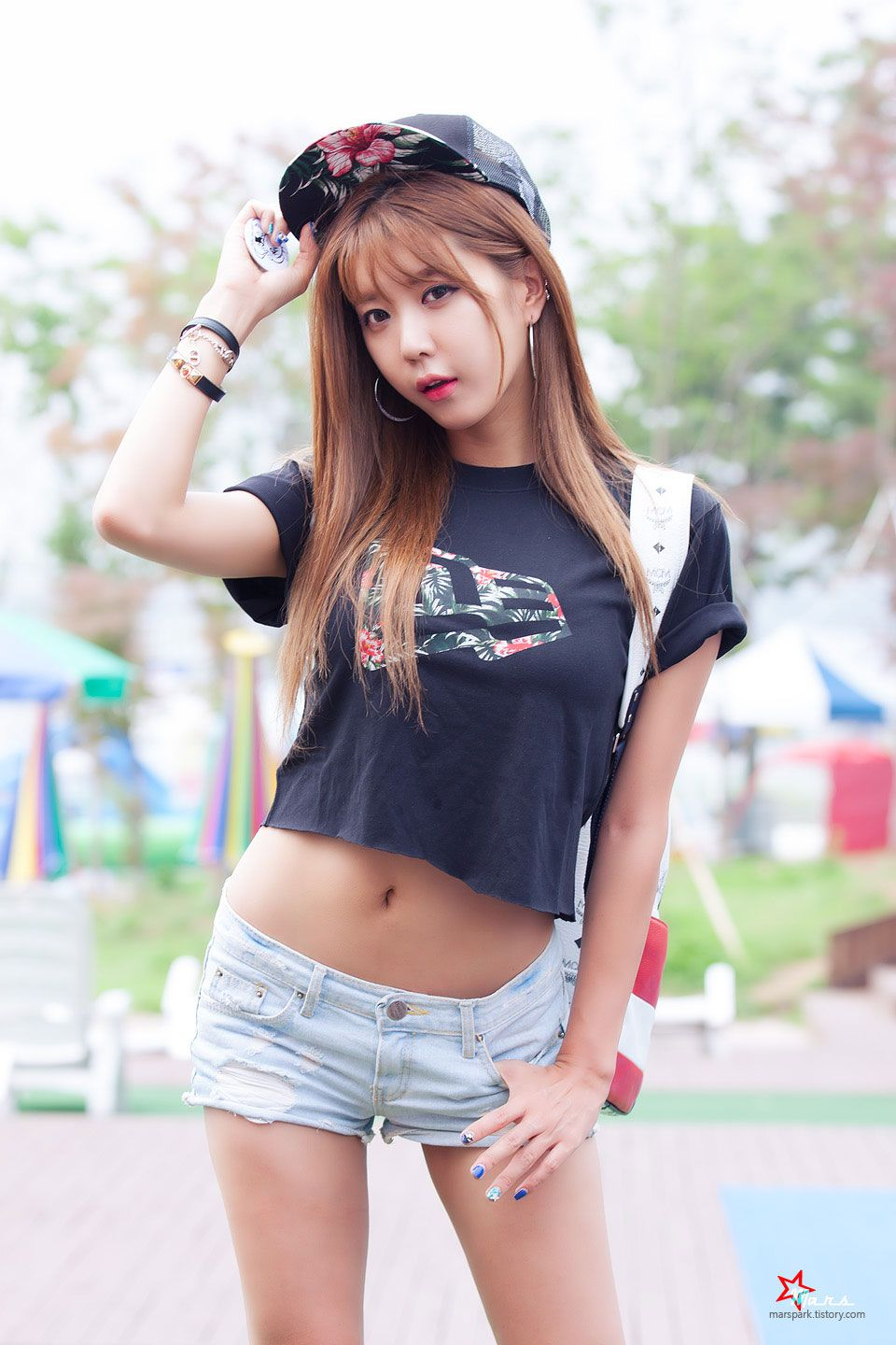 flat single asian girls Flat rock's best 100% free asian girls dating site meet thousands of single asian women in flat rock with mingle2's free personal ads and chat rooms our network of asian women in flat rock is the perfect place to.