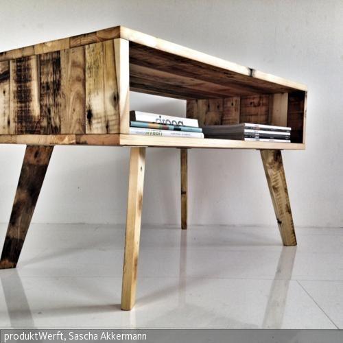dieser couchtisch wurde aus palettenholz hergestellt hierbei gehen wir mit dem matrial wie mit. Black Bedroom Furniture Sets. Home Design Ideas